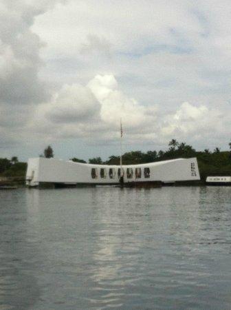 Private Tours Hawaii: Pearl Harbor -U S S Arizona