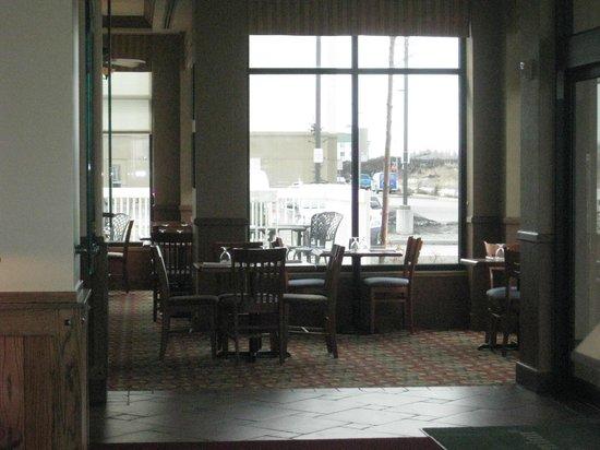Hilton Garden Inn Anchorage: Dining area
