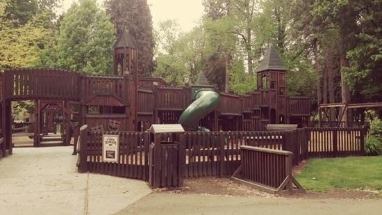 Coeur d'Alene City Park and Independence Point: Fort Sherman playground