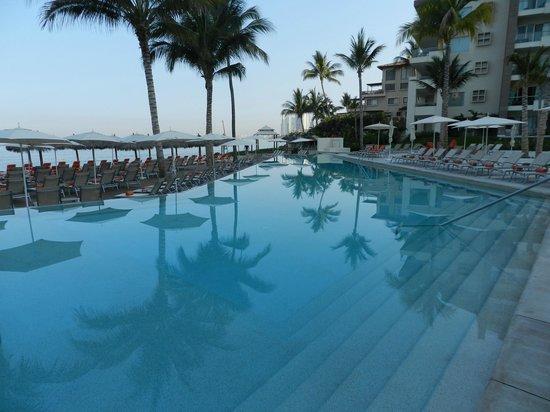 Now Amber Puerto Vallarta: Pool Pic