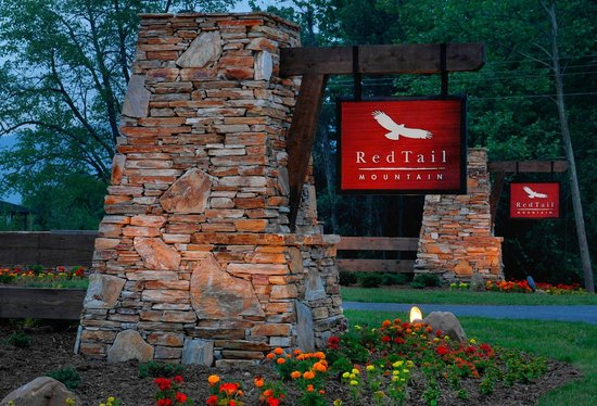 Mountain City, TN: Entrance to RedTail Mountain Properties