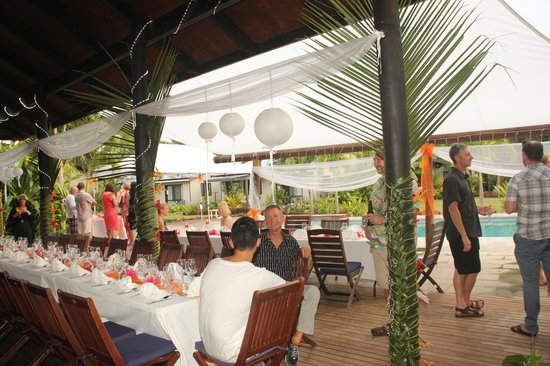 Muri Beach Resort: Dining layout for our wedding