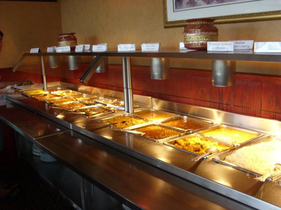 New India Buffet & Restaurant Ltd: The part of the buffet with the warm dishes