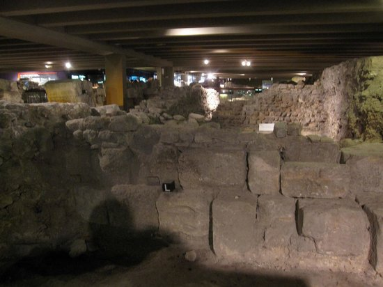 Archeological Crypt of the Parvis of Notre-Dame: Archeology Under Cover