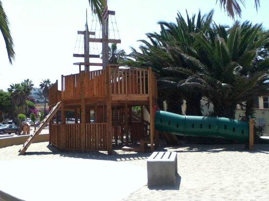 Puerto Nuevo Baja Hotel & Villas : area juegos infantiles