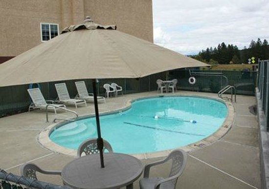 Comfort Inn Yreka: Enjoy a Clean Crisp waters of the Pool
