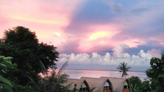 Baliku Dive Resort: Sunset from Room 2