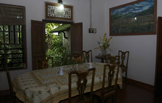 Motty's Homestay: Dining