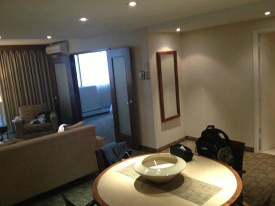 International Hotel and Spa Calgary: Living Area