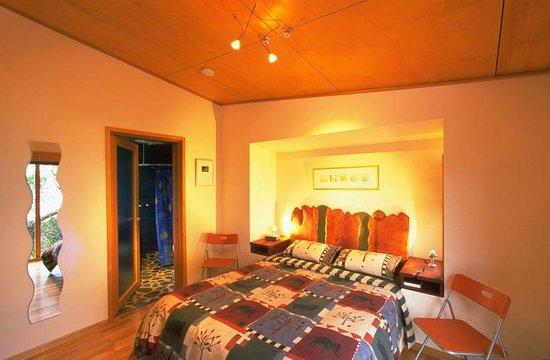 Beachside Retreat West Inlet: Ecocabin bedroom