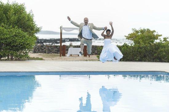 Finch Bay Galapagos Hotel: Finch Bay Hotel pool splash!!!