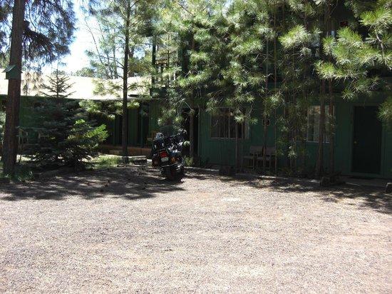 TimberLodge Inn: Park near your door