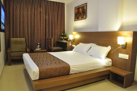Hotel Kalyan : getlstd_property_photo