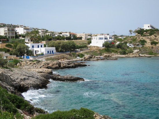 Ela Mesa Luxury Apartments: The closest coast area from the hotel