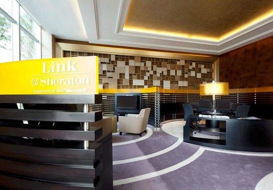 Sheraton Shanghai Hongkou Hotel: Link @sheraton