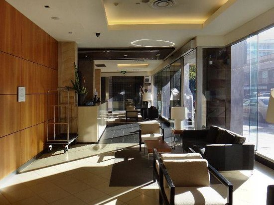 Majestic Roof Garden Hotel: The Lobby