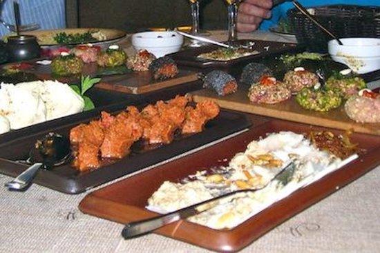 Dbayeh, Líbano: Libanesische Köstlichkeiten