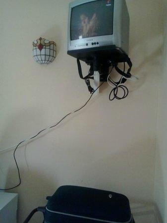 Hotel Ariha : TV