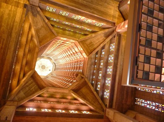 Église Saint-Joseph : le puit de lumière