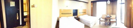 Awana Hotel: room