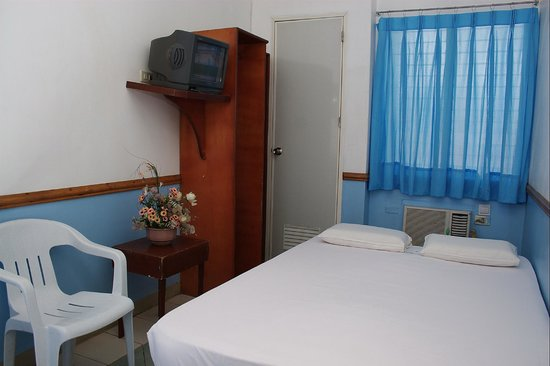 GV Hotel, Maasin City: Aircondition Room 2pax, 1 bed