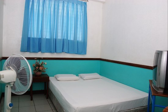 GV Hotel, Maasin City: Non-Aircon Room 2pax 1bed