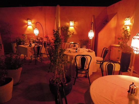 La Table Al Badia - Riad Al Badia by night