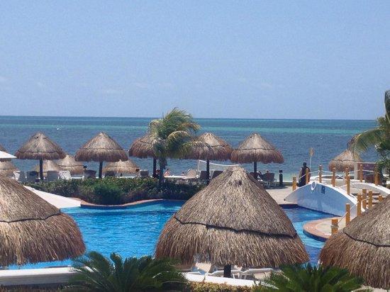 Moon Palace Cancun: Sunrise pool