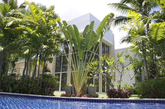 Blue Lagoon Resort Hua Hin: another building for big family