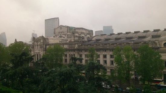 Viewing Central Station from room of Milan Apartment Rental
