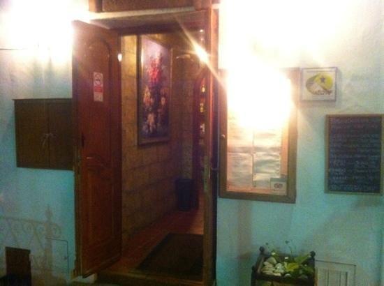 La Taberna del Sacristan: welcome interior on a rainy eve