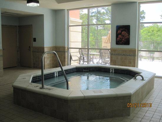 Drury Inn & Suites Valdosta : Hot tub