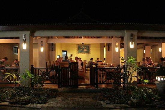 Man's Cottages & Spa: Restaurant