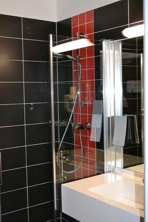 Best Western Plus Amedia Wien: Bathroom