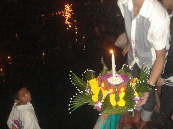 Babylon Bangkok: Loi Krathong
