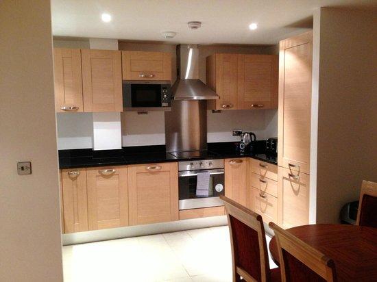 Marlin Apartments Aldgate : Kitchen