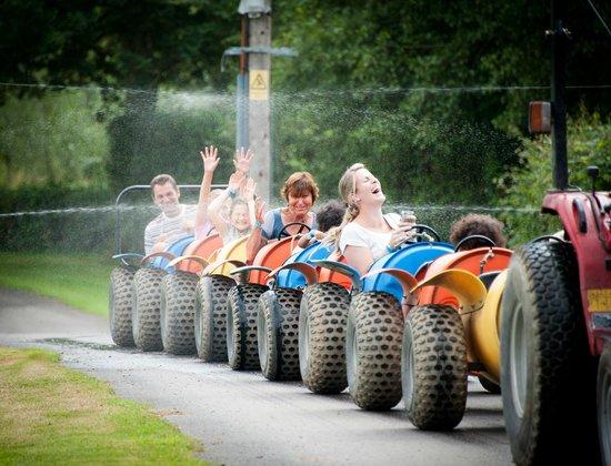 Wisborough Green, UK: Fishers Adventure Farm Park - Barrel Bug Ride