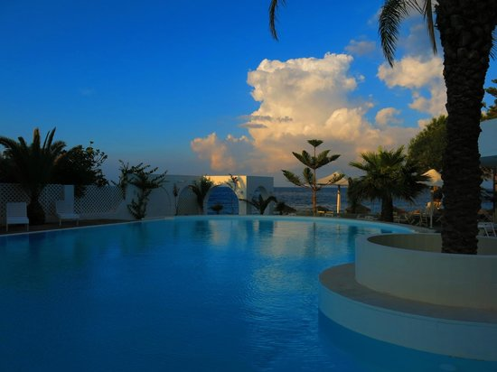 Thalassa Sea Side Resort & Suites: The pool area