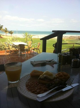 Cable Beach Club Resort & Spa: breakfast