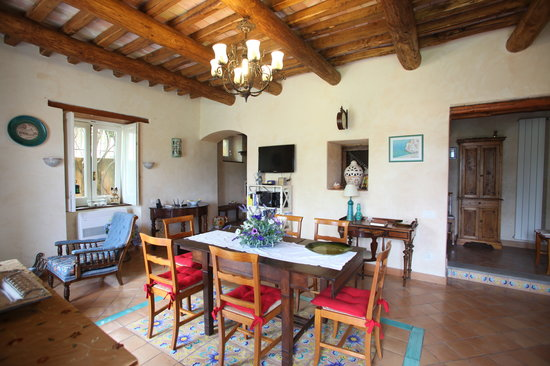 Gattacicova: Livingroom