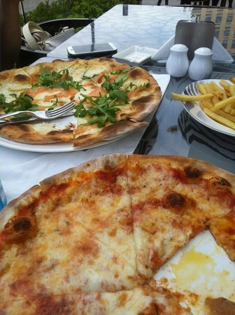 Cavalli Caffe: salmon pizza