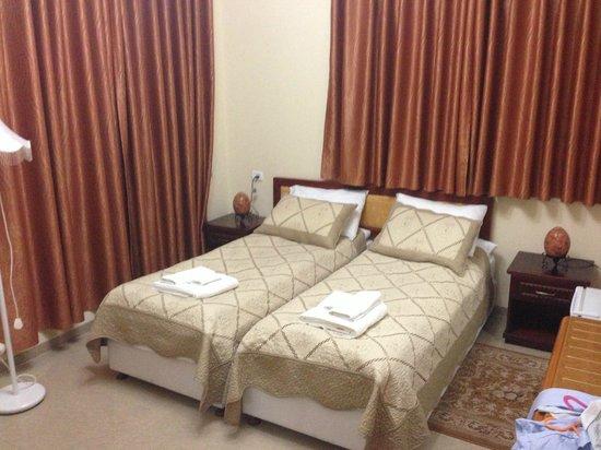 Hotel Casa de Maria: Room-beds