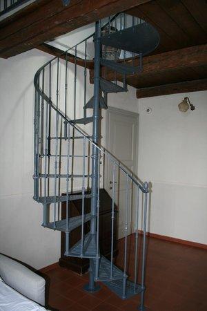 Il Pignocco Country House: la scala a chiocciola