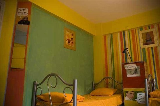 Stray Cat Hostel: 4 bed female dormitory