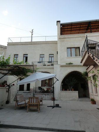 Karadut Cave Hotel: garden
