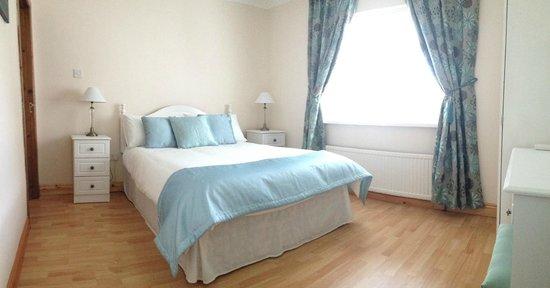 Briar Lodge: room 2