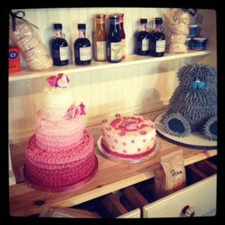 Belhaven Fruit Farm: Handcrafted celebration cakes from Liggy's Cakes