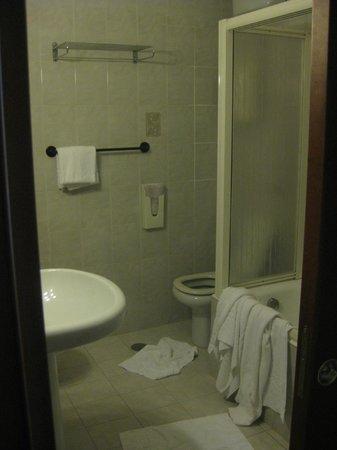 Hotel Miami : bathroom