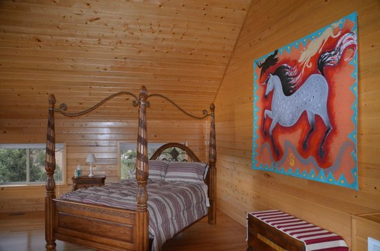 XbarH Lodge: Second Floor of the Mountain Suite