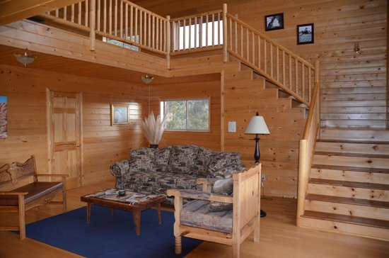 XbarH Lodge: Stairs to Loft in Mountain Suite